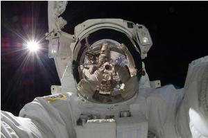 Selfie - The Astronaut Style